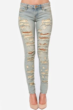 5d5a9787475 Blank NYC Skinny Classique Destroyed Light Wash Skinny Jeans   Best ...