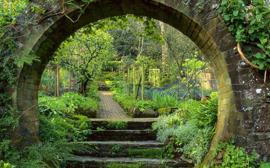 89c823789f8603b72b94686a8395b80f - Best Gardens To Visit In Spring
