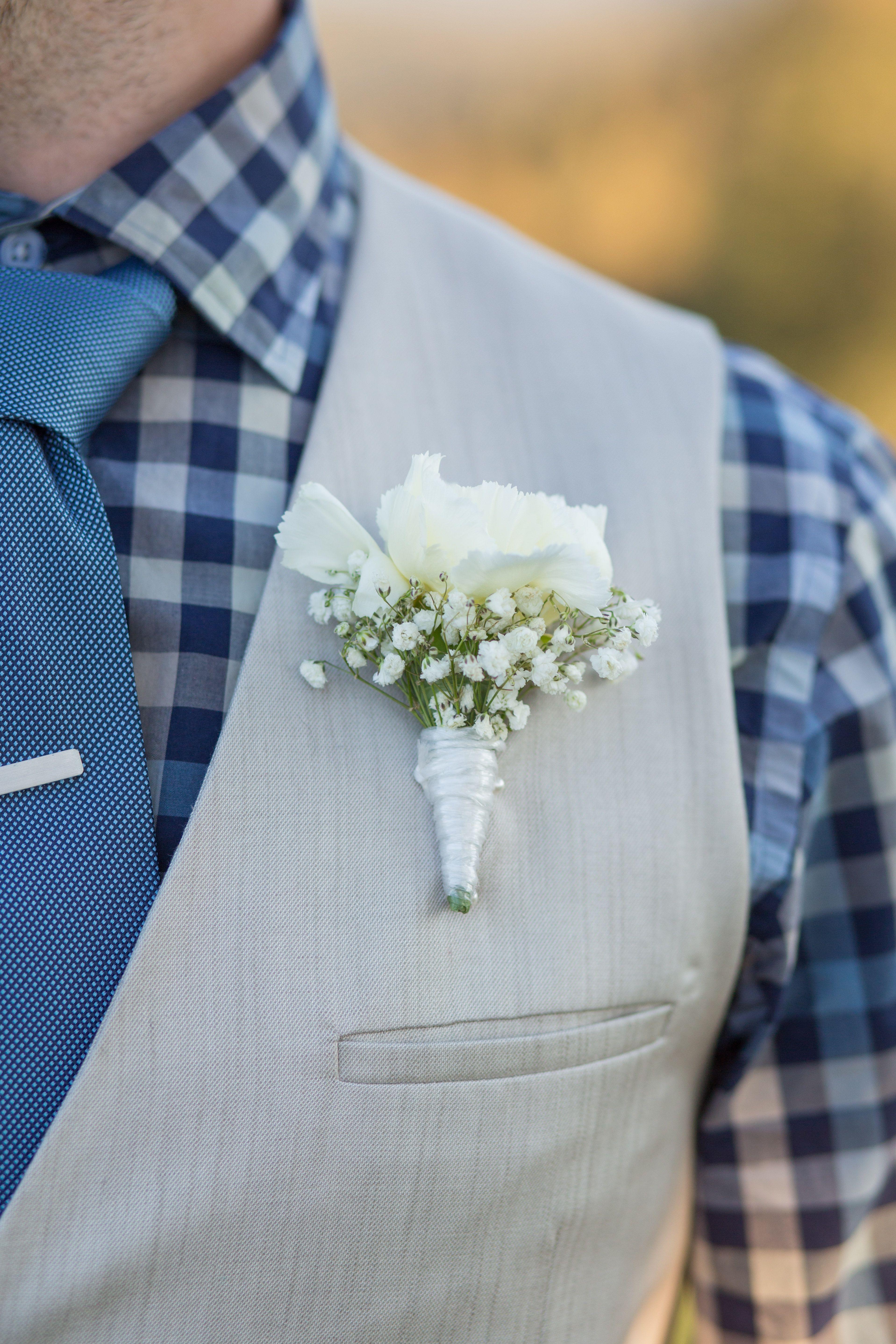 November outdoor wedding in the Australian outback . . .