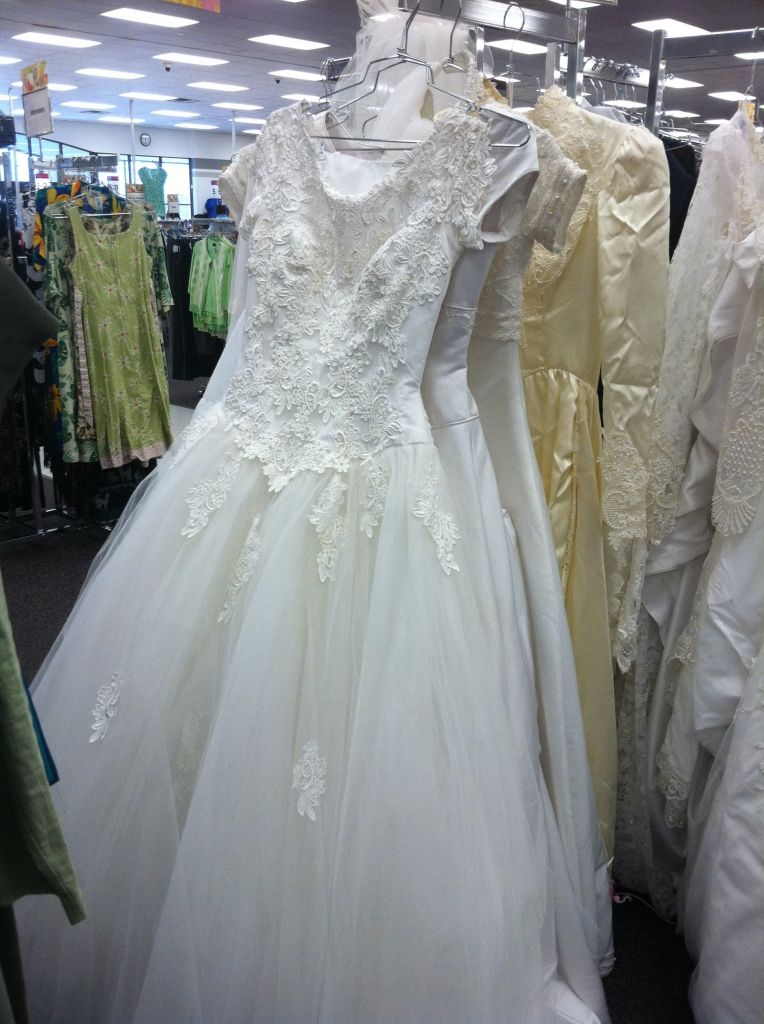 thrift store wedding dress - dresses for wedding reception Check ...