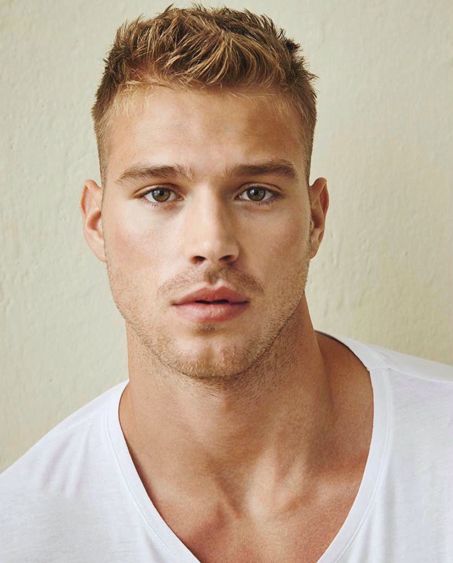 Haircuts for round faces men pin by southern gent on matthew noszka  pinterest  face man hair
