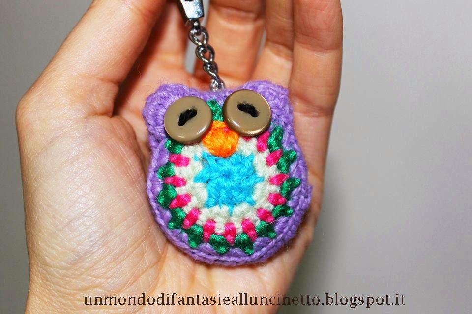 Un Mondo di Fantasie all'Uncinetto di Lisa : Gufo portachiavi crochet con occhi a bottone