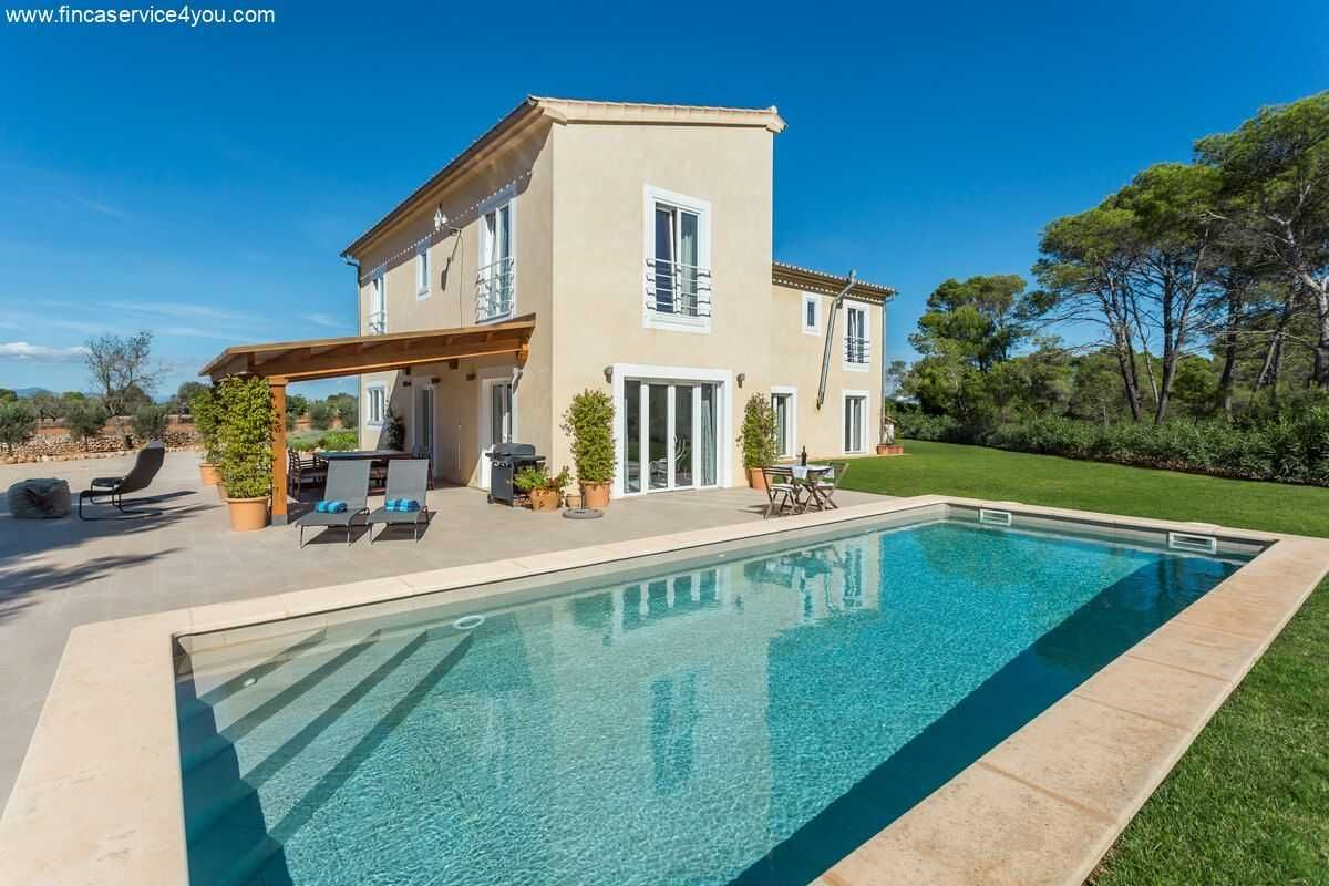 Algaida Verkauf 298m Landhaus Zu Verkaufen 6 Zimmer Fussbodenheizung Pool 995000 Eur Algaida Immobiliensuche In 2020 Immobilien Mallorca Immobilien Finca