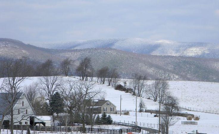 Central Appalachian Mountains   Central Shenandoah Valley, Virginia with snowy Appalachian Mountains ...