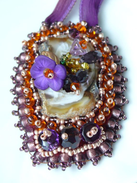 Sale  Bead embroidered necklace with Agate and Crystal by Maewa, €55.00