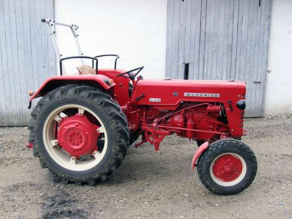 ihc mccormick d439 oldtimer tractor very beautiful