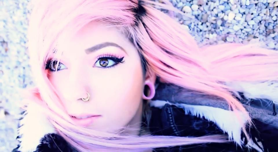Leda Muir. pink hair. cool photo affects. | Photo Ideas ...
