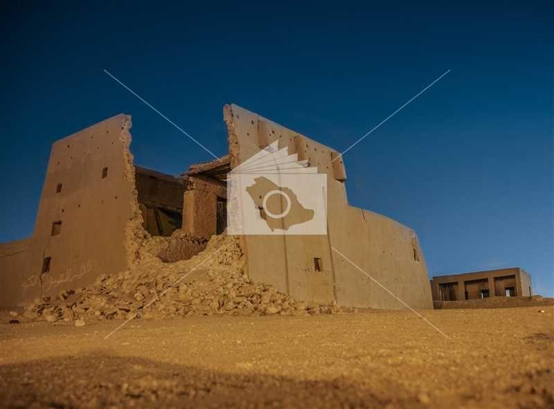 قصر محيرس بالشرقية Monument Valley Monument Natural Landmarks