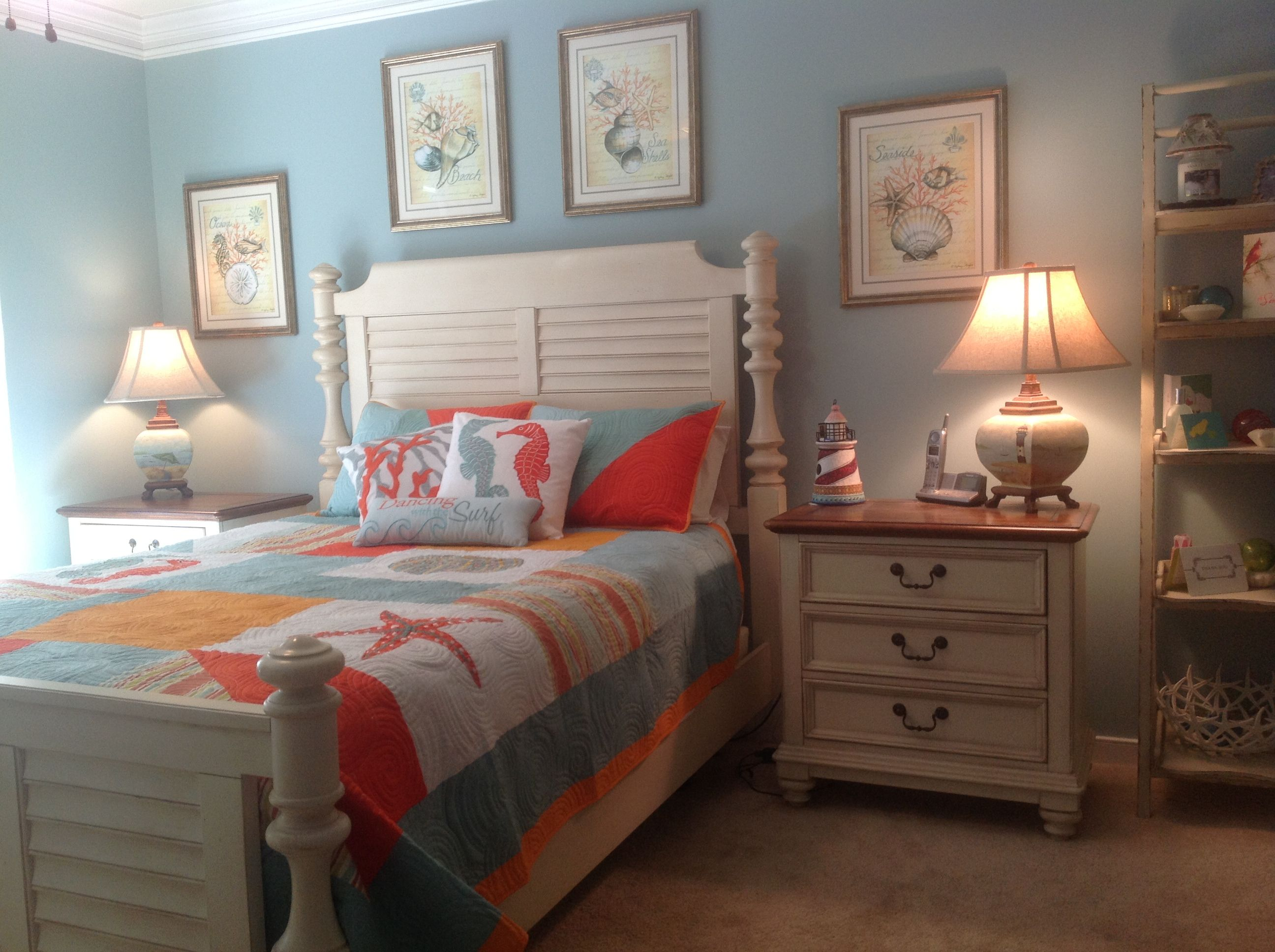 Happy summer beach theme bedroom love this color scheme for Beach themed bedroom ideas pinterest