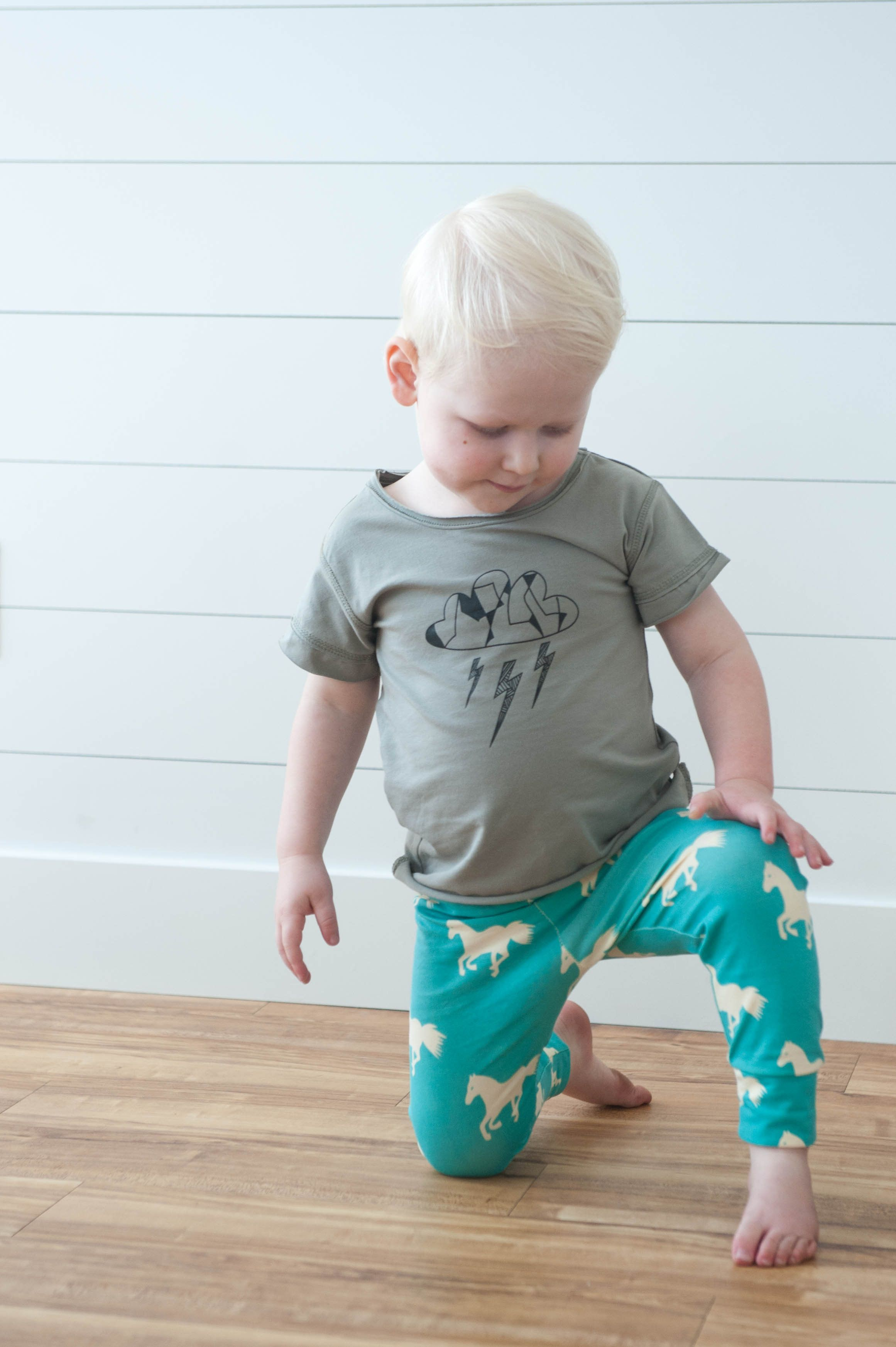 Not your ordinary t-shirt - Stormy night - Fancy Frogz