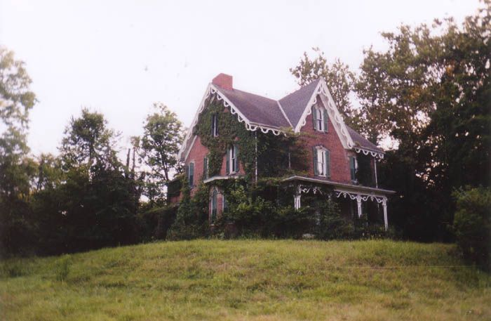 This Is The Sidwell House One Of Muskingum County S Best Known And Scariest Haunted Houses As Is Always T Scary Haunted House Abandoned Ohio Abandoned Houses
