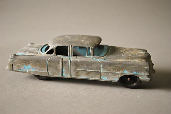 Tootsietoy 1949 Cadillac Vintage Metal Toy Car Diecast Cast