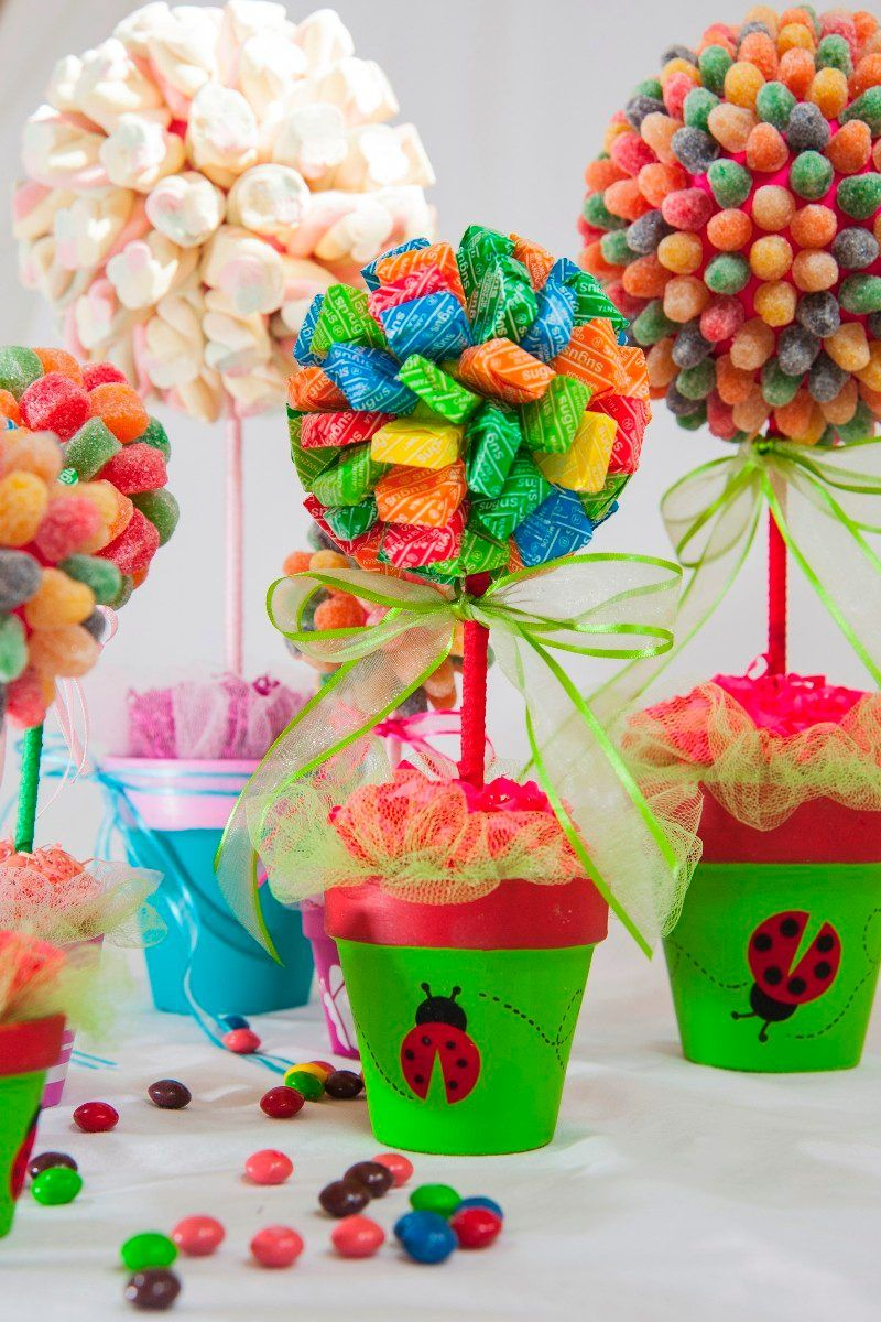 Arbolitos Topiarios Con Golosinas Para Souvenirs Por Unidad 37 00 En Mercadolibre Centros De Mesa Con Dulces Dulces Para Fiestas Mesa De Golosinas