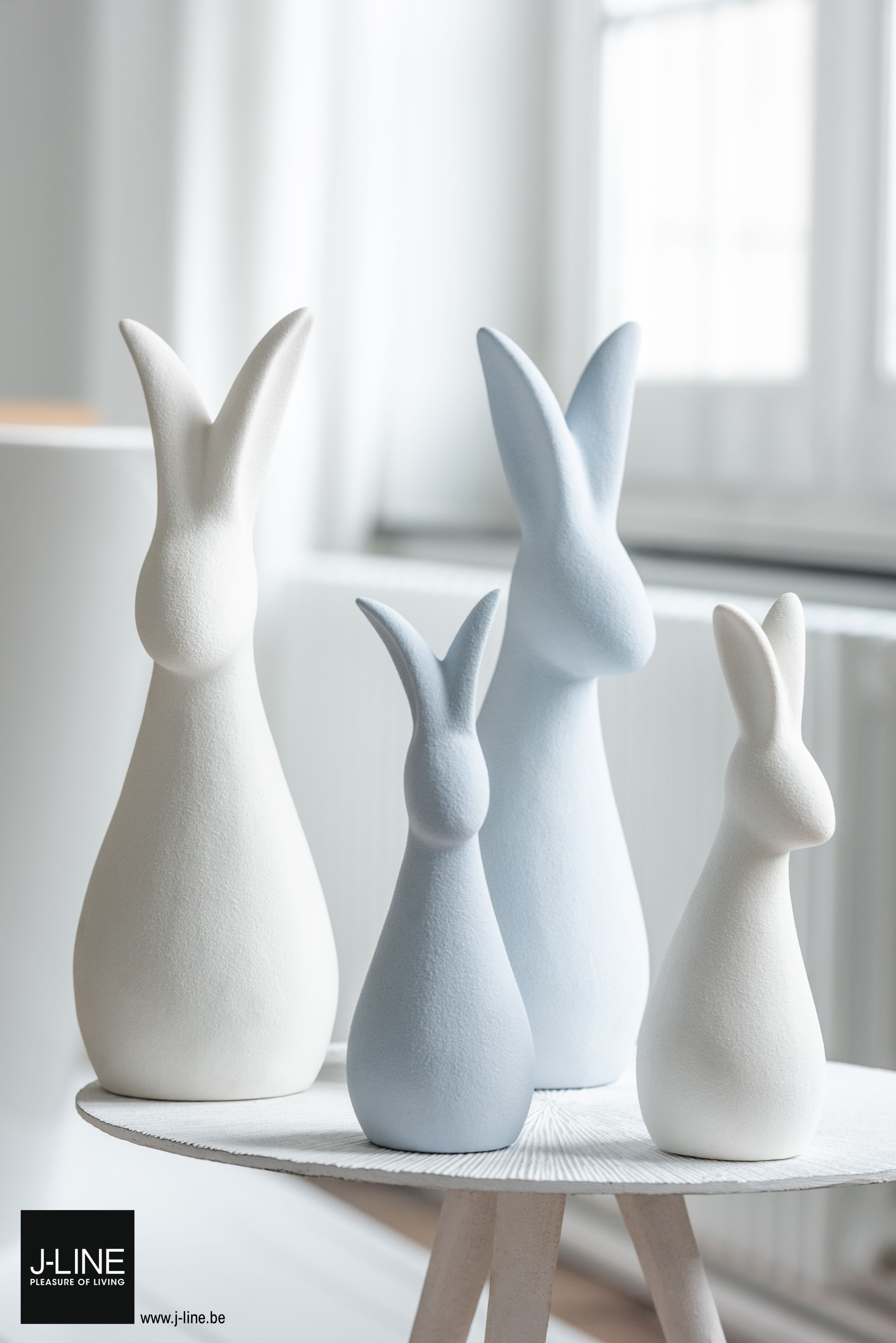 Jline Decoration Endlessblue New Spring Summer Collection 2020 Sidetable Line Metal Matte Rabbit Porcelain White Blue Pleasureofliving Jl Pasen
