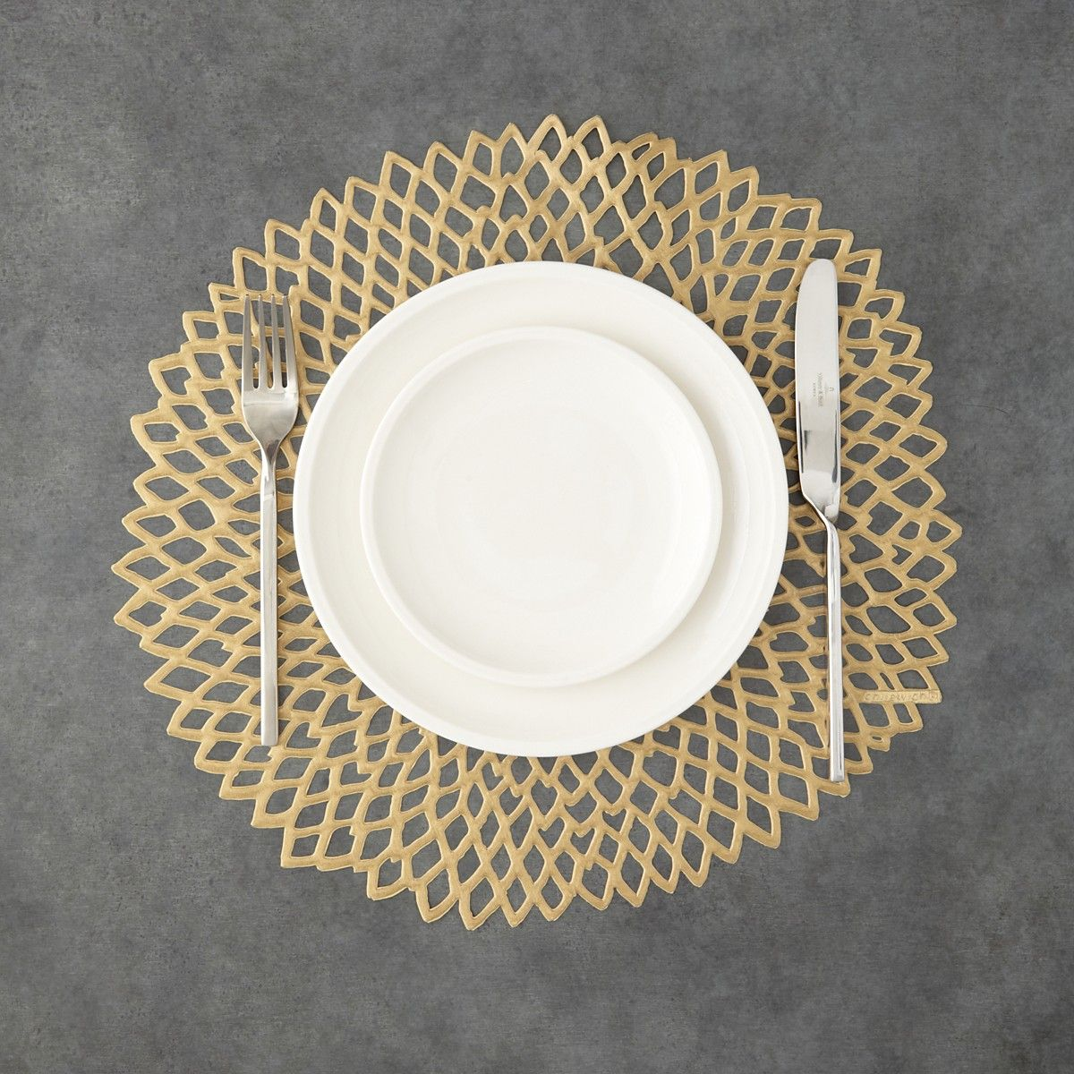 Chilewich Dahlia Pressed Vinyl Round Table Linens Bloomingdale S Chilewich Placemats Easter Placemats