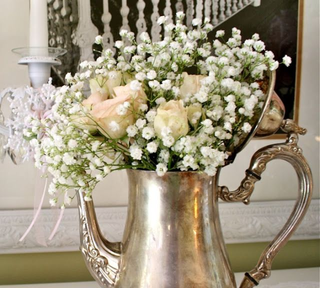 Vintage Wedding Centerpieces Ideas: Teapots With Babys Breath A Single Rose And 5 Pieces Of