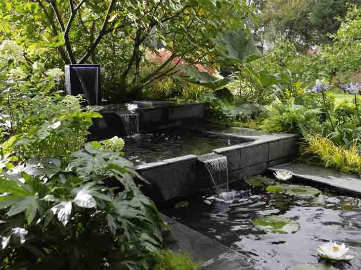 Bassins Et Fontaines Pour Embellir Le Jardin Leroy Merlin Terrasse Jardin Jardin D Eau Amenagement Jardin
