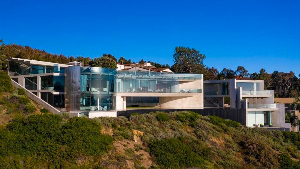 5 Things To Know About The Spectacular Razor House In La Jolla