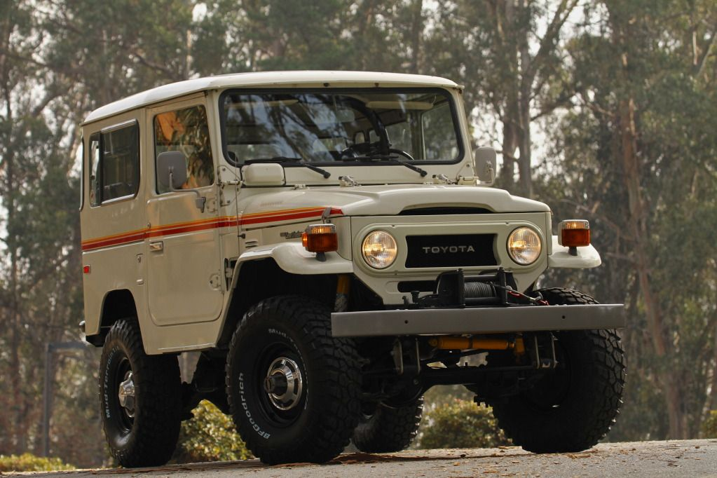 pictures of the vintage land cruiser