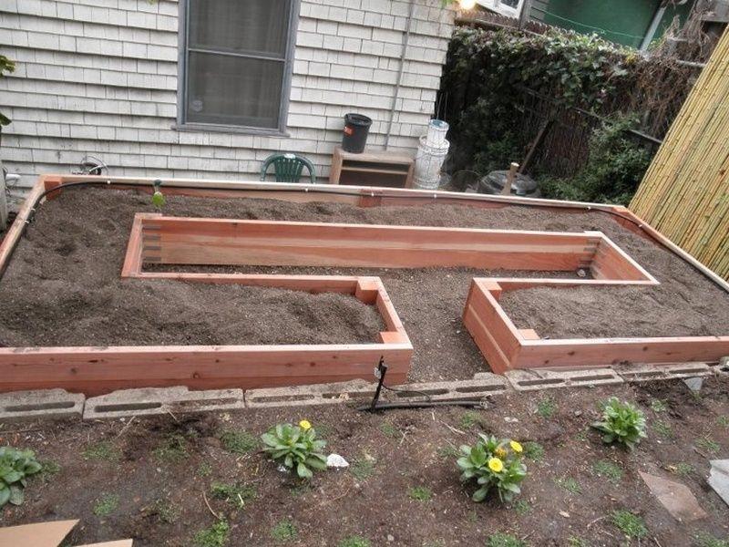 cr er un potager en carr soi m me 11 mod les recopier plantes jardin pinterest. Black Bedroom Furniture Sets. Home Design Ideas