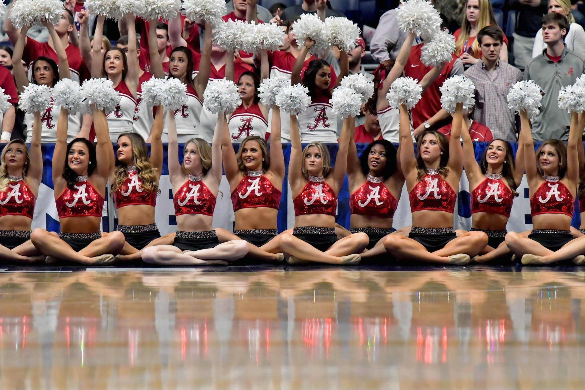 Bama Cheerleaders Dance Team Cheerleading Dance Cheerleading Dance Teams