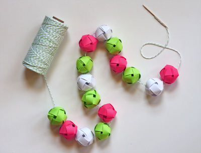 Make a garland from woven paper balls Gallery
