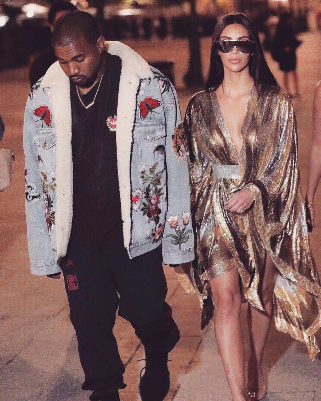 Billionaire Attitude Divitiae Kim Kimkardashian Kimkardashianwest Kkw Kanyewest Kuwt Kim Kardashian And Kanye Celebrity Style Dresses Kim And Kanye