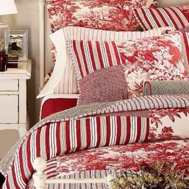 Bedroom Decorating Ideas Totally Toile: Country Christmas Bedroom In 2019
