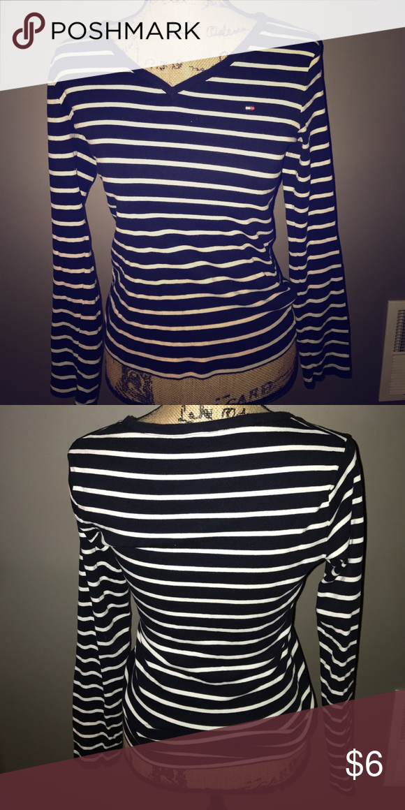 Tommy Hilfiger long sleeve t-shirt Tommy Hilfiger long sleeve tee, 100% cotton Tommy Hilfiger Tops Tees - Long Sleeve