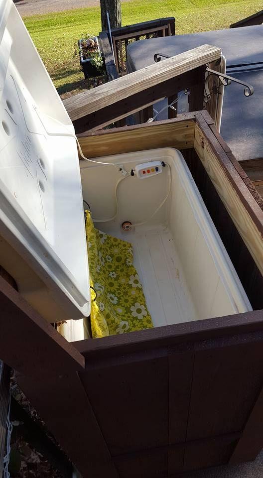Heating Pad In Old Cooler For Towel Warmer Diy Hot Tub Towel Warmer Hot Tub Outdoor
