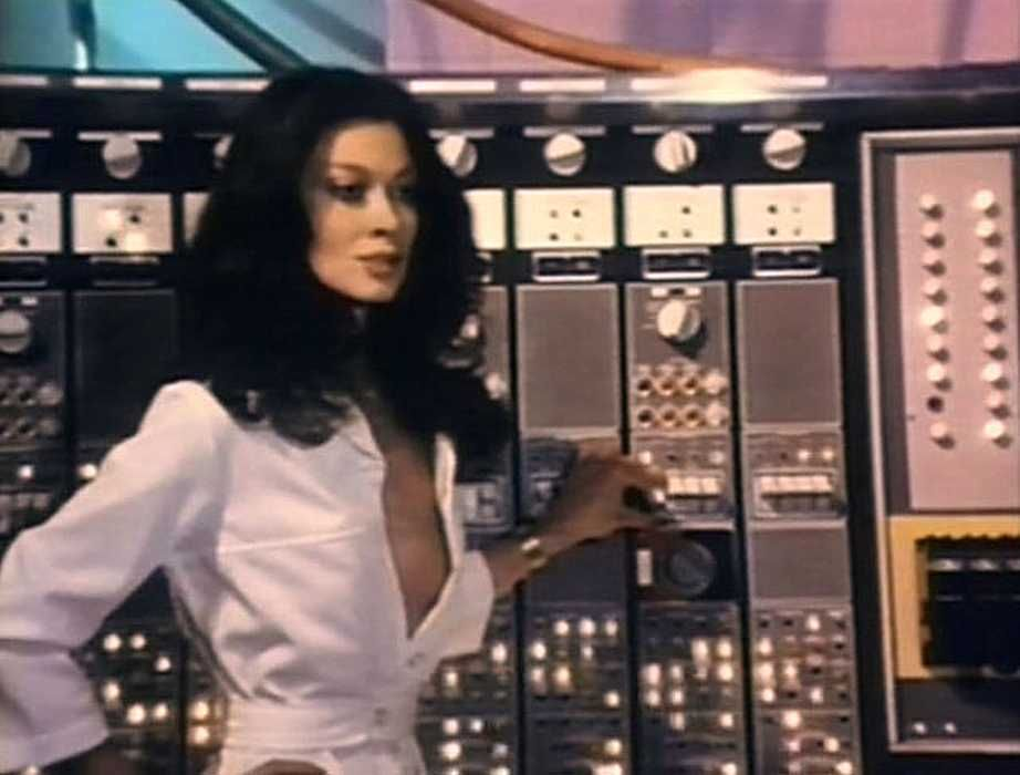 Anitra Ford in Invasion of the Bee Girls | Sleaze ...