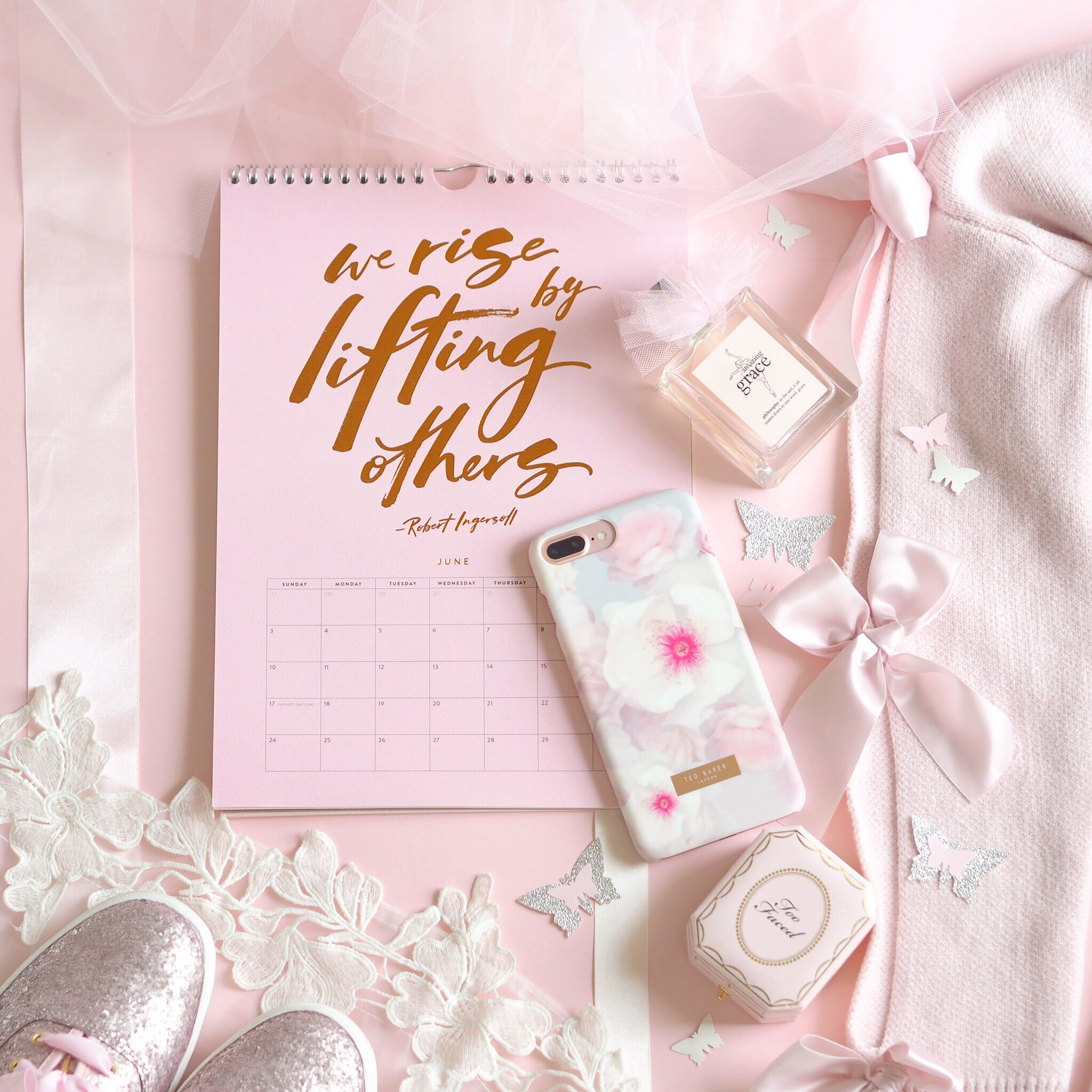 How To Take Dreamy, Light & Airy Photos Pink girly