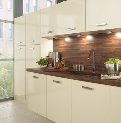 Best Gloss And Walnut Wood Worktop Glossy Kitchen 640 x 480