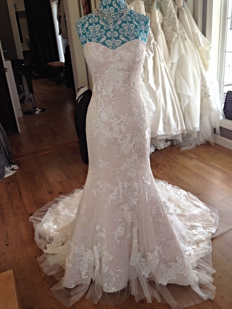 Casablanca 2142 - Lace bridal gown with sweetheart neckline and v ...