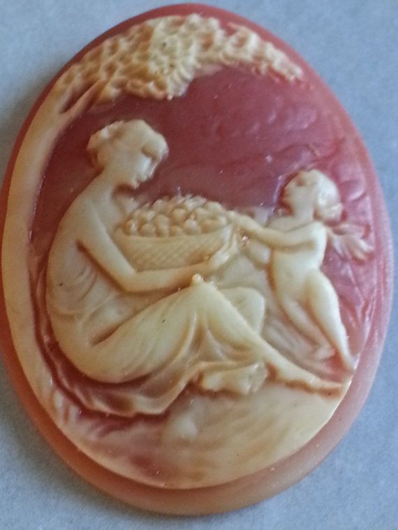 Vintage Unset Cameo Woman and Cherub