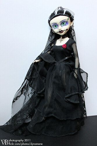Begoth Doll, Series 3. Divinity The Bride