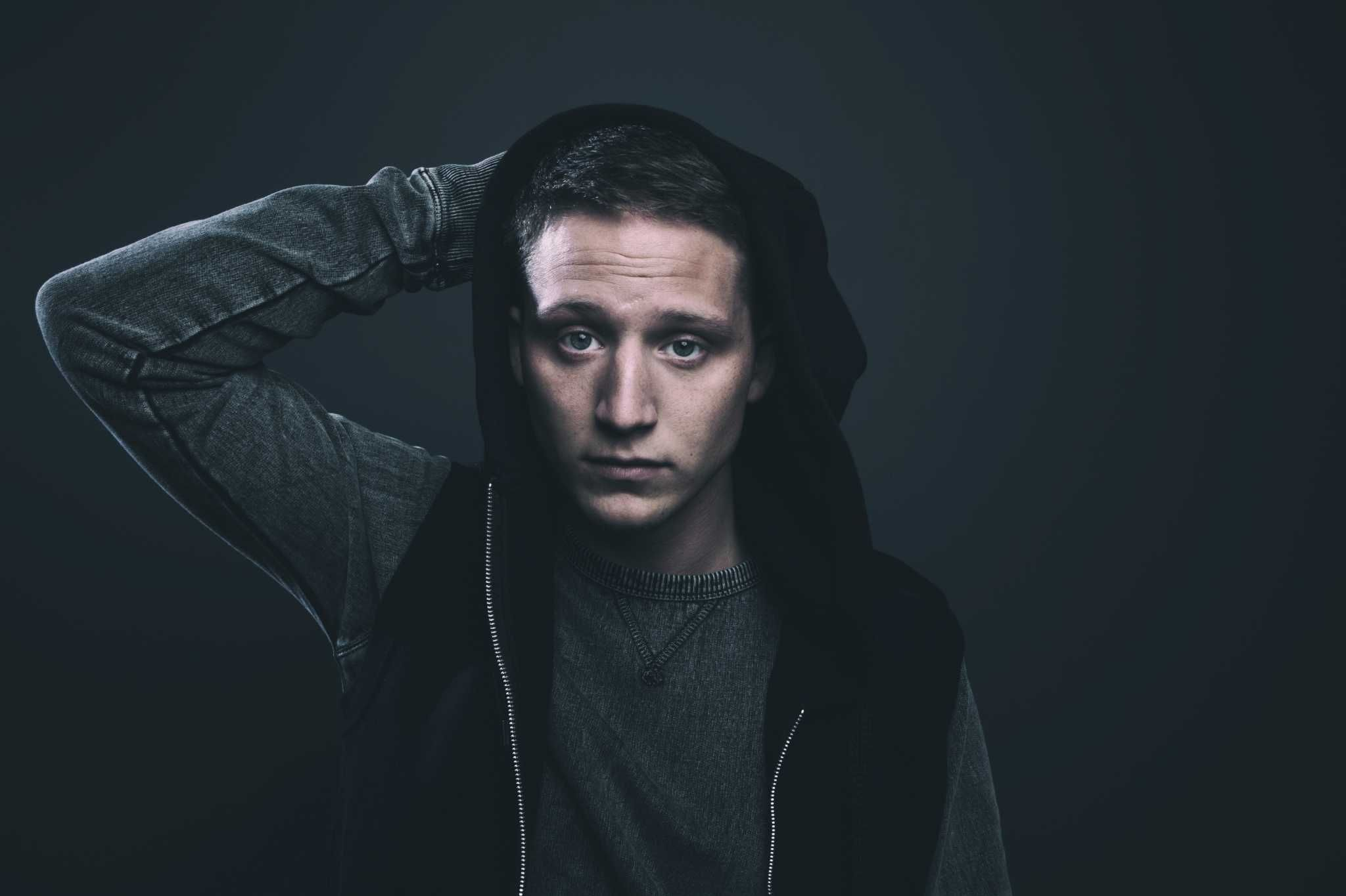 Christian rapper nf looks ahead to therapy session