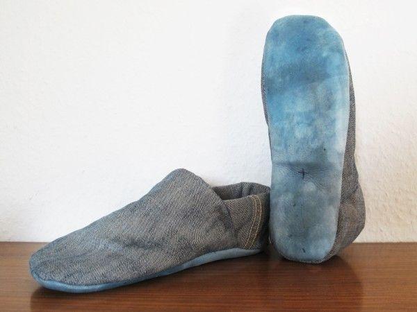 Hausschuhe aus alten Jeans | Upcycling DIY | Pinterest | Hausschuhe ...