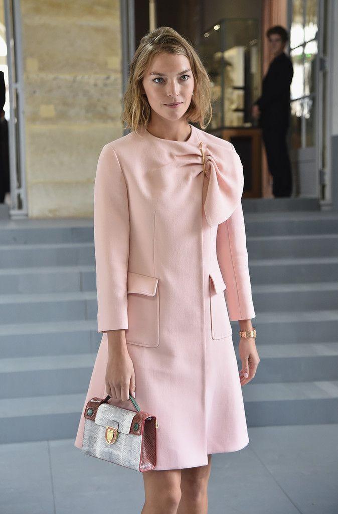 Arizona Muse Photos Photos: Christian Dior : Tunnel - Paris Fashion ...