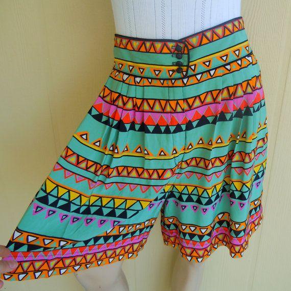 vintage tribal print skort . full mom shorts .  www.nesteggvintage.etsy.com