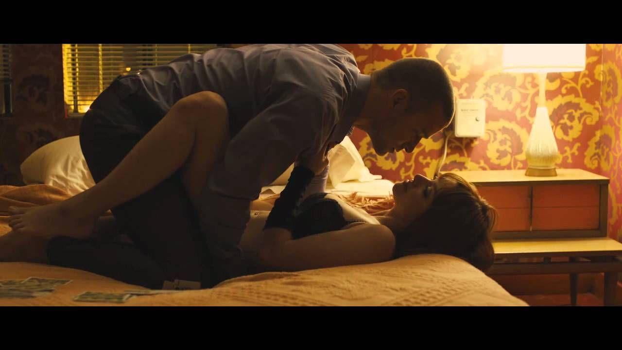 Amanda Page Sexy Movie in time: strip poker (deleted scene)   amanda seyfried