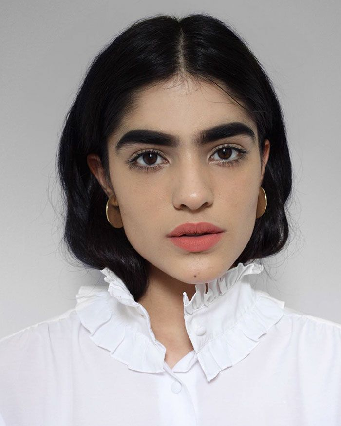 17 Year Old Bullied For Her Thick Eyebrows Lands Massive Modeling