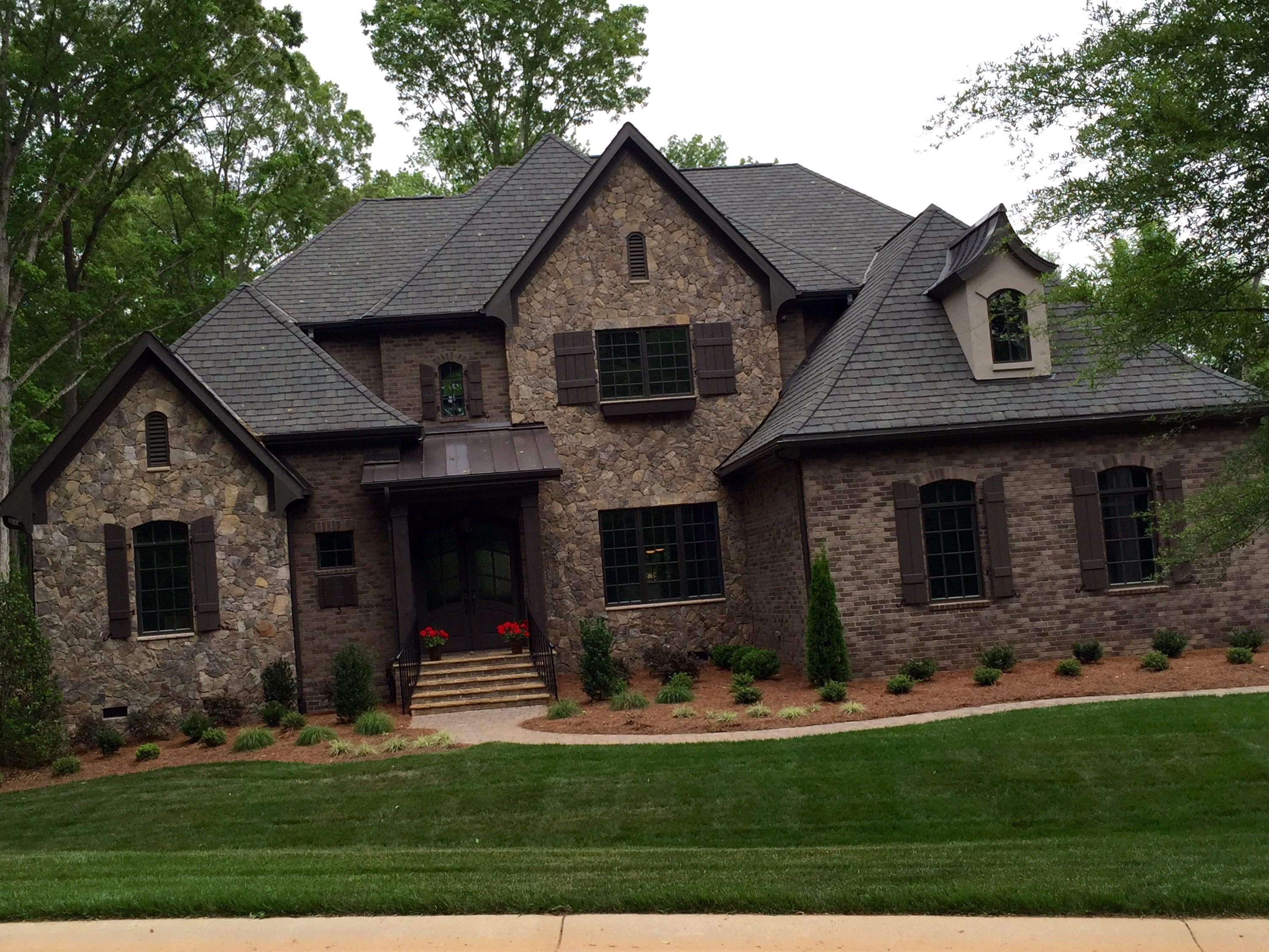 Arh asheville 1131f plan exterior 40 stone oakridge Black brick homes