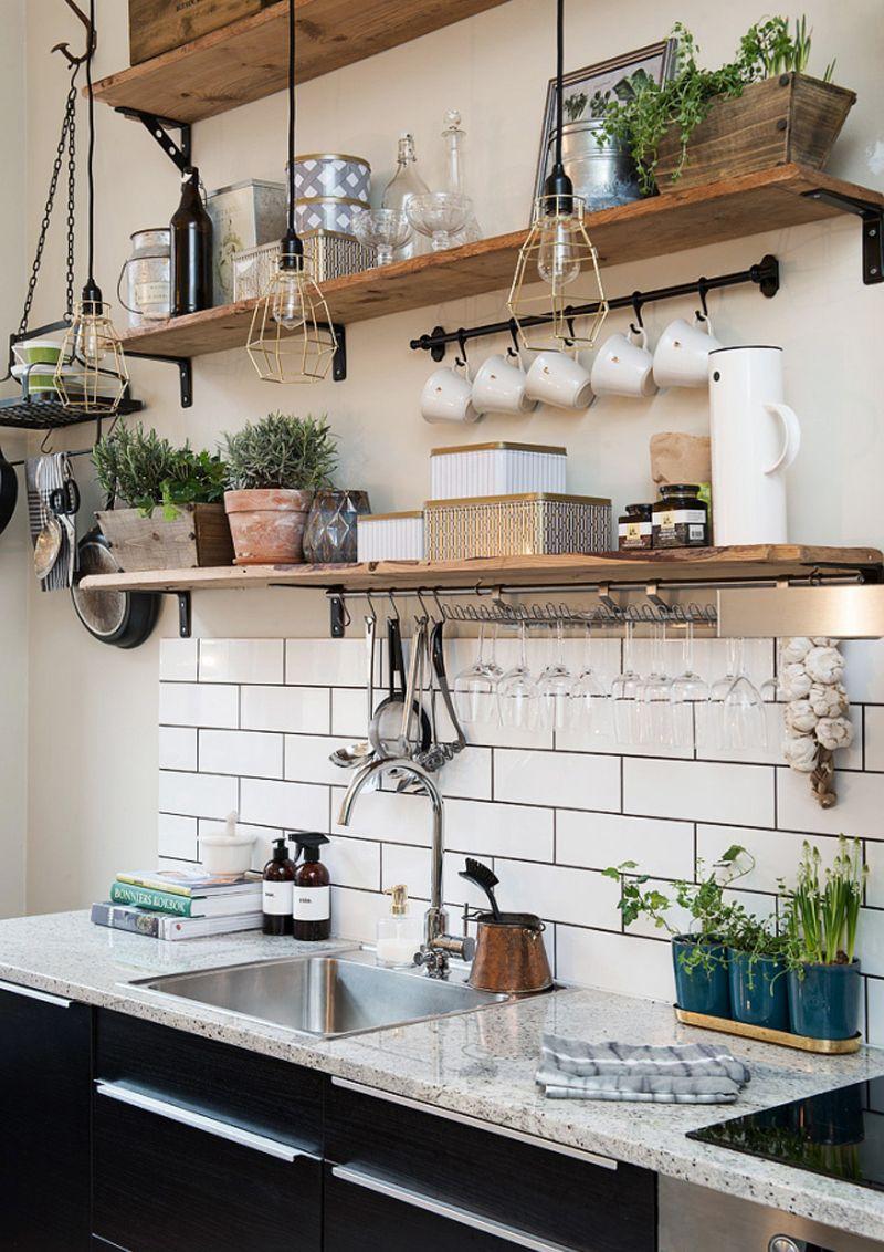 tutto a vista in cucina | mensole e scaffali aperti | piccole ...