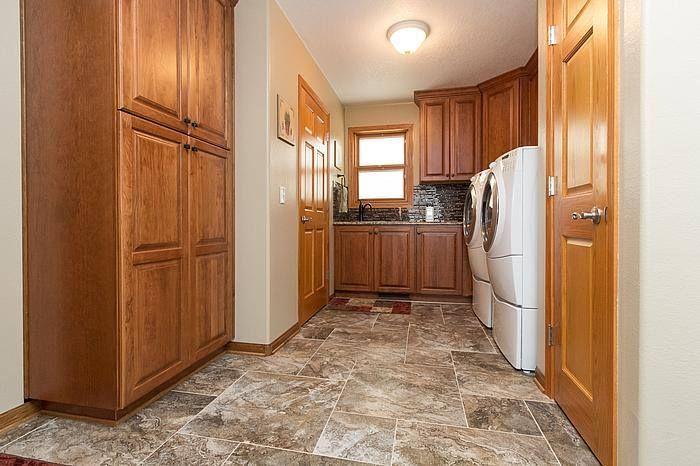 Cabinets: StarMark Cabinetry Ridgeville door in Cherry Toffee ...