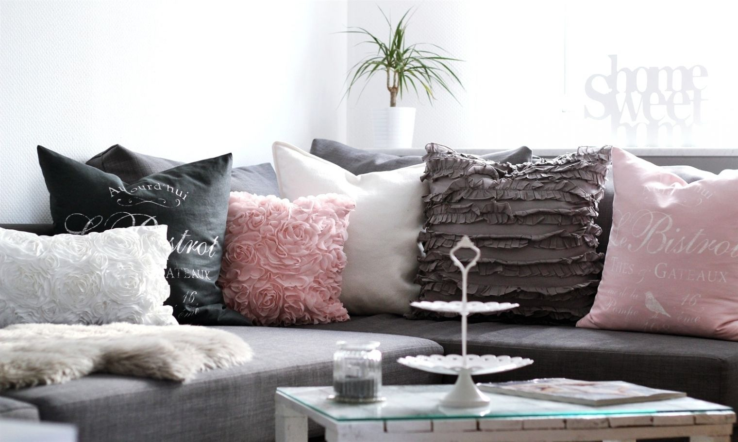 Elegant Wohnzimmer Deko Grau Rosa  Einrichtung in 2019