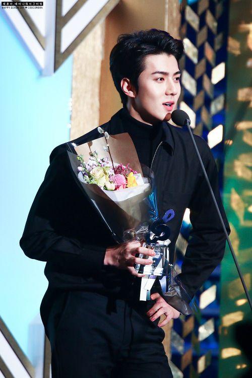 Sehun - 160217 5th Gaon Chart K-POP Awards Credit: COXCOMB94. (제5회 가온차트 케이팝 어워드)