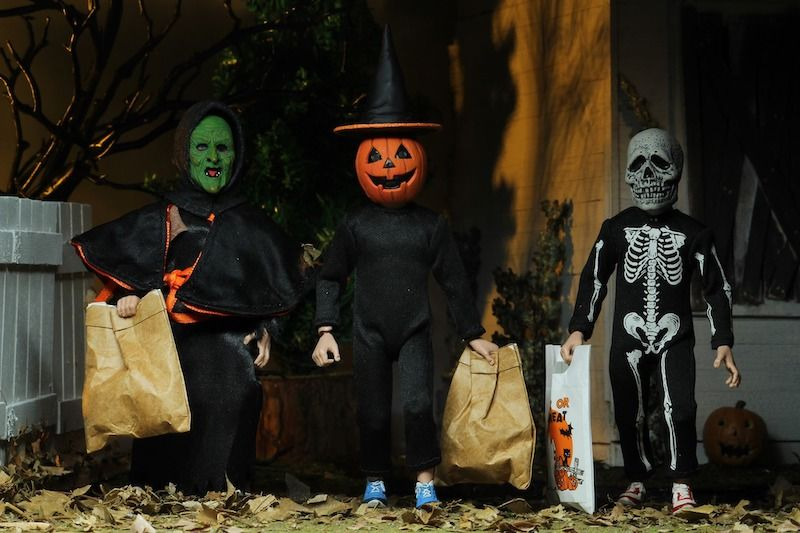 """NECA Toys Halloween 3 Season Of The Witch 8"""" Scale"""
