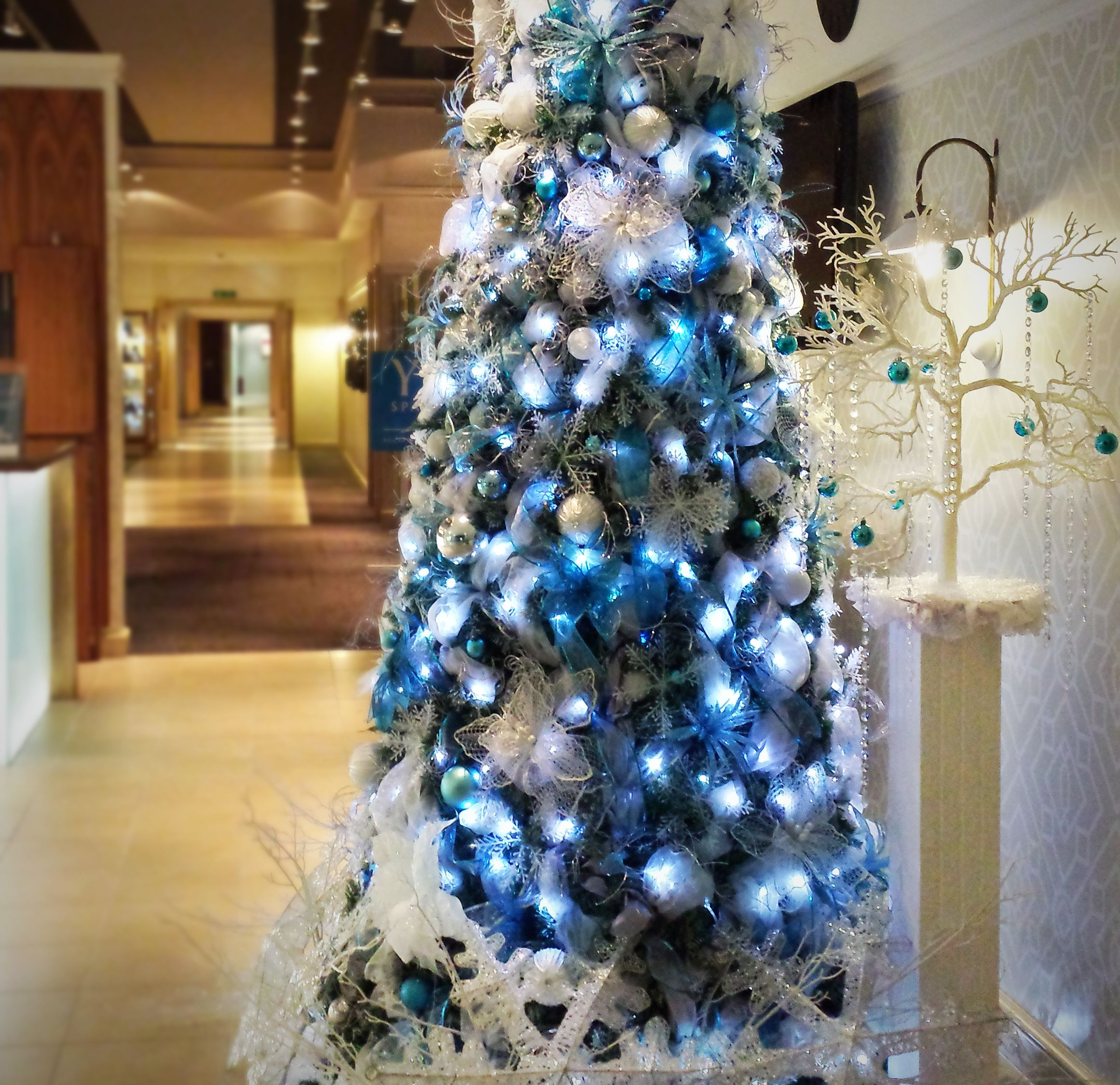 Tiffany Blue Luxury Christmas Tree For Hire Our Tiffany Blue Luxury Christma Commercial Christmas Decorations Luxury Christmas Tree Christmas Tree Decorations