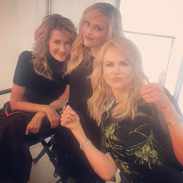 """""""Trabalhando em algumas novas mentiras"""" declarou @reesewitherspoon em seu Instagram deixando todos os fãs de #BigLittleLies em polvorosa. Tudo indica que vem segunda temporada por aí e nós já estamos ansiosas! @lauradern @nicolekidman #ReeseWitherspoon #LauraDern #NicoleKidman #repost  via MARIE CLAIRE BRASIL MAGAZINE OFFICIAL INSTAGRAM - Celebrity  Fashion  Haute Couture  Advertising  Culture  Beauty  Editorial Photography  Magazine Covers  Supermodels  Runway Models"""